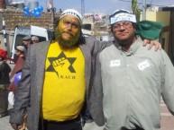 """בנצי גושפטיין (משמאל) מחופש בפורים לפעיל כ""""ך. נחקר בחשד ל""""הסתה"""""""