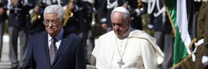 האפיפיור פרנציסקוס עם מחמוד עבאס (אבו מאזן)
