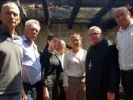 """חברי """"העבודה"""" בביקור בכנסייה: האם ביקרו באחד מבתי הכנסת הרבים שחולל על ידי ערבים?"""