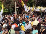 צלבים ואיומים נגד יהודים (ההפגנה מחוץ לכנסייה בצפון)