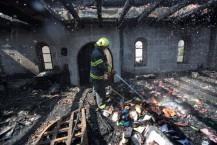 צוותי הכיבוי עמלו 3 שעות כדי לעצור את האש