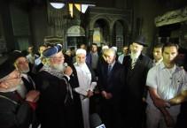 פרס והרבנים הראשיים מבקרים במסגד ומתנצלים לשווא