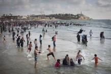 עזה בתל אביב (אלפי ערבים מעזה בחופי תל אביב)