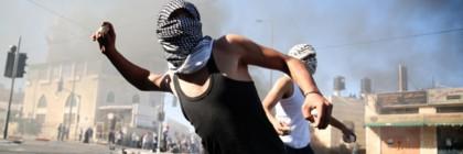 Arabs_throwing_rocks1_-_Copy