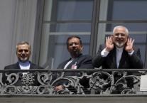 חיוכים ותחושת נצחון: המשלחת האיראנית לשיחות בוינה