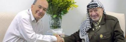 Yossi_Sarid_and_Yasser_Arafat1_-_Copy